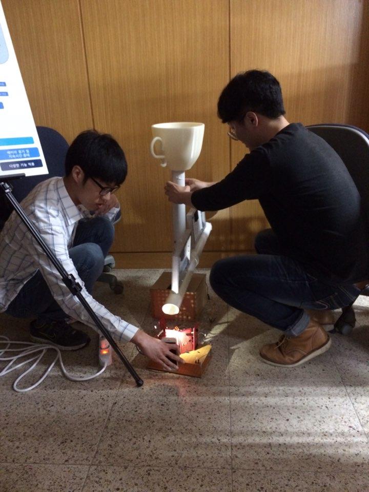 2017 캡스톤경진대회 (12).jpg